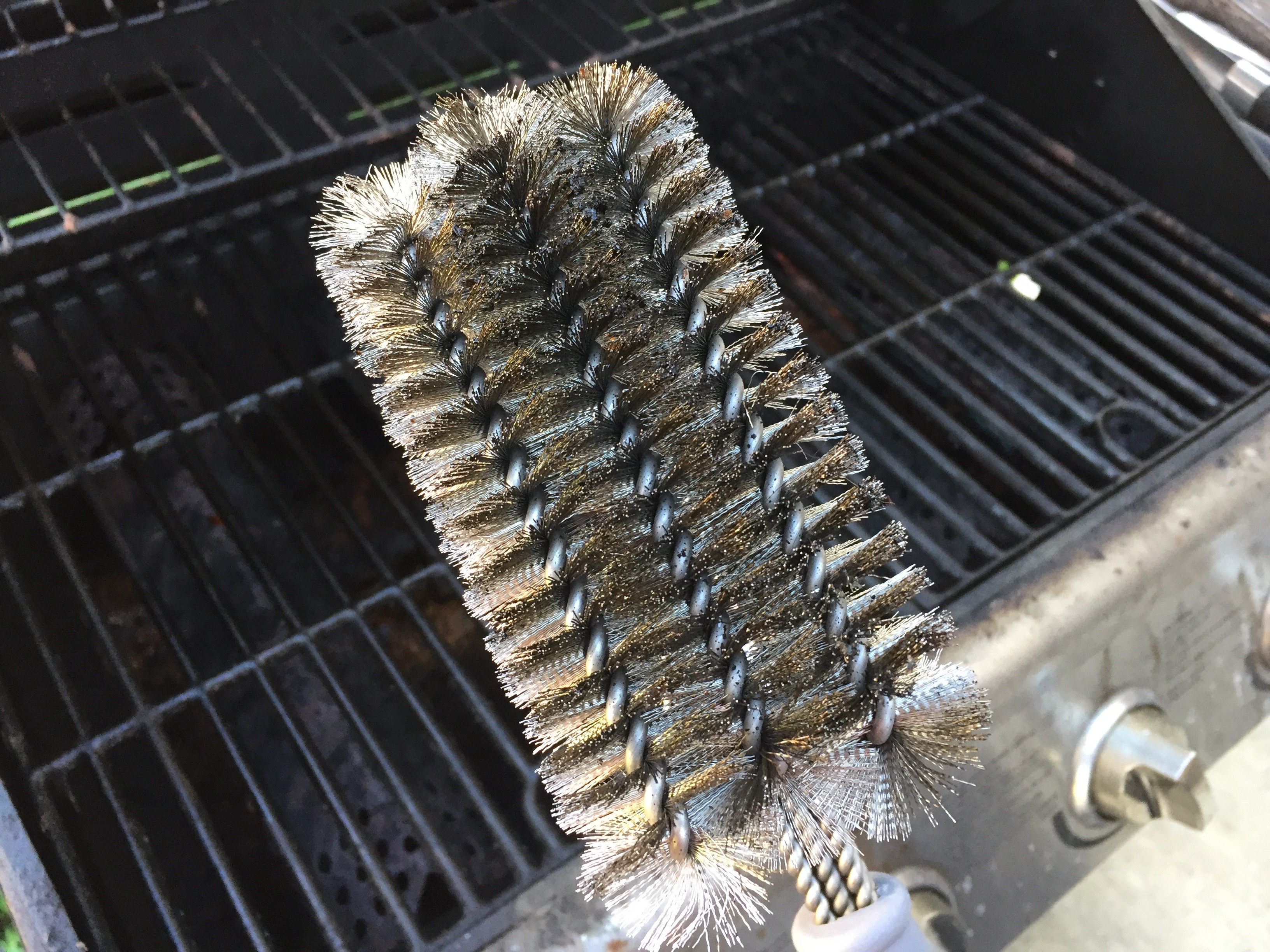 H: High Quality Cave Tools BBQ Brush (Review) #AtoZChallenge